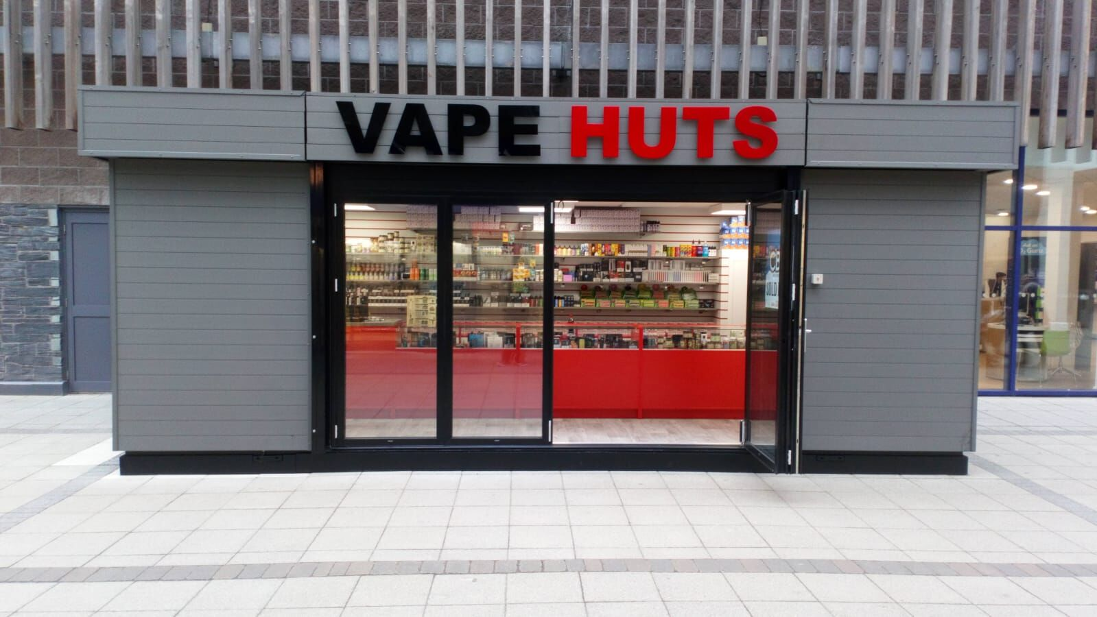 Vape Huts Front on BEST clean